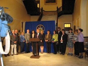 Maine Governor Baldacci signs Maine LD 1038 MRSA bill